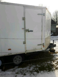 Heavy duty enclosed v nose trailer