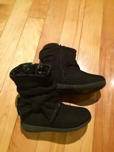 Black size 7 girls boots
