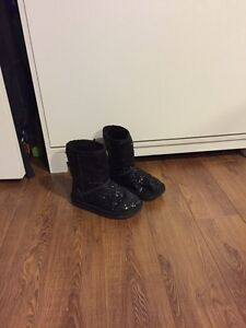 Girls sparkly Ugg style boots, size 1