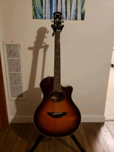 Yamaha APX 700 acoustic in great shape