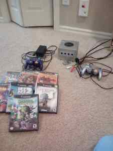 Nintendo Gamecube with few games and 2 controllers /memorycards