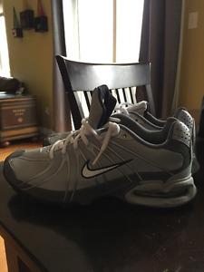 Air Max size 7.5 (Brand New)