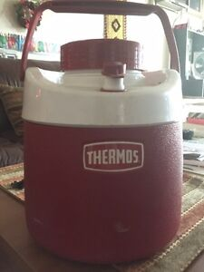 Vintage Thermos: 4-Litre Red and White CLEAN in Great Condition