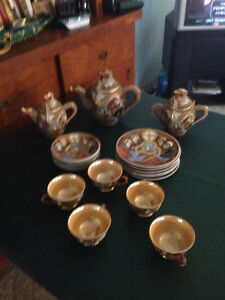 antique HAND PAINTED tea set. It is Japanese Satsuma.