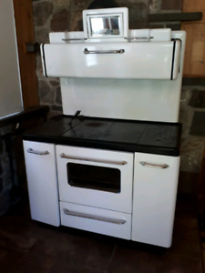 Poele cuisiniere a bois wood stove Guelph Company