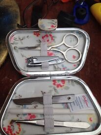 Catch kidson manicure set