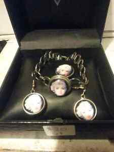 Marilyn Monroe earrings and bracelet set