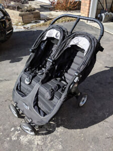 Baby Jogger City Mini Double Stroller ( barely used )