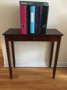Mahogany Finish End Table