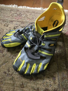 sale retailer cb71a f7a3a Vibram FiveFingers Treksport Sandal Hiking Shoes Size 12 UK 45