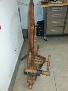 Spinning Wheel Circa 1890 - Excellent Condition- PRICE DROP!!! West Island Greater Montréal image 2