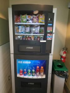 Machine distributrice combo avec emplacement à vendre