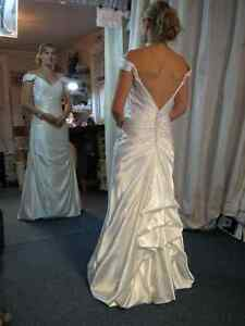WEDDING DRESS ALTERATIONS - CUSTOM SEWING GREENBANK Peterborough Peterborough Area image 6