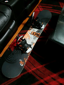 Flow snowboard 149cm and L flow binding