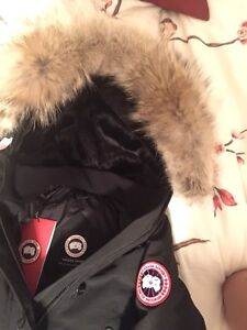 Brand new with tags women's Canada goose jacket XS