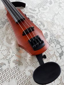 NS CR4 Electric Violin with case