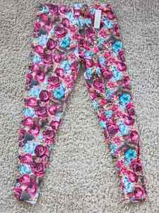 BRAND NEW - SWEETLEGS Leggings