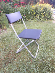Plastic Folding Chairs 18 Pieces