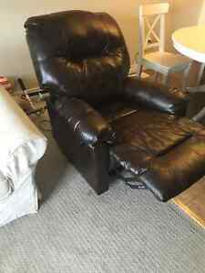 Leather Electric Reclining Chair Kitchener / Waterloo Kitchener Area image 7