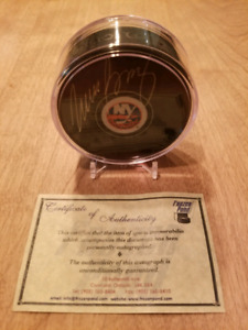 MIKE BOSSY AUTOGRAPHED PUCK RONDELLE AUTOGRAPHIÉ NY ISLANDERS