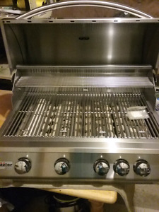 Summerset Sizzler Built in Bbq