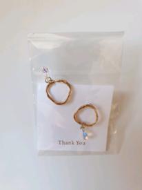 Earrings with Swarovski stone