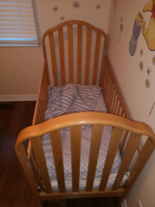 Solid oak crib with organic latex mattress