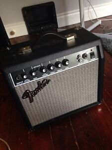 Fender Frontman 15G Guitar/Bass Amp Cambridge Kitchener Area image 1