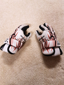 Warrior lacrosse gloves youth size