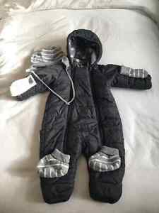Polarn O' Pyret Baby Snow Suit w/ hat, mitts & booties 4-6months