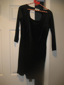 Vera Moda black velvet dress