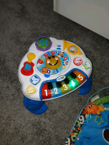 Kids stand and play music maker toy