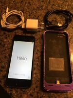 *Unlocked* iPhone 5s. 64gig. Mophie case. Charging cables.