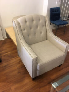 Mid-Century modern compact occasional tufted livingroom chair