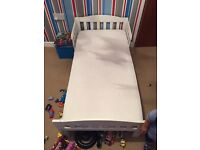 Toddler bed with 2 mattress