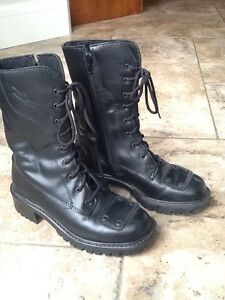 Lady's motorcycle boots