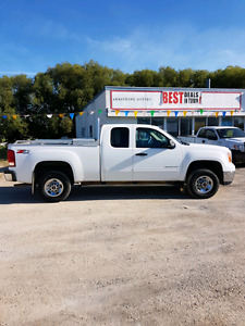 2010 GMC Sierra 2500 HD 4x4 Extra Clean Pick-up Sorry Sold
