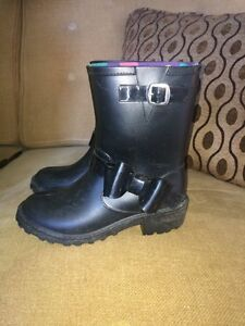 Size 13 girls rubber boots