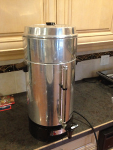 100 CUP WEST BEND COFFEE URN