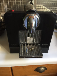 nespresso cappuccino machine with frother