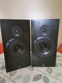 Monitor Audio R-300 speakers