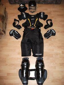 Équipement de hockey pour senior (adulte), 200$.