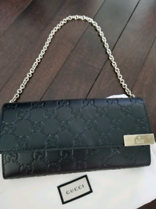 Gucci Wallet purse with Champagne Harware