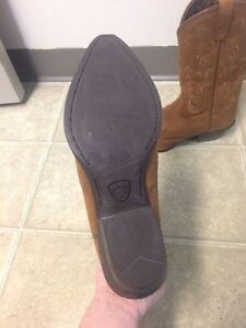 Women's Ariat boots size 6.5 Cornwall Ontario image 1