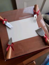 Cheese Board/Knife Set.. Revolving