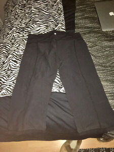 Women's Lulu Lemon Workout Crops
