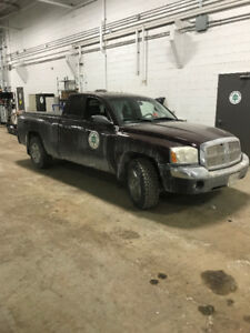 REDUCED 3 - Dodge Dakota 4x4 Trucks