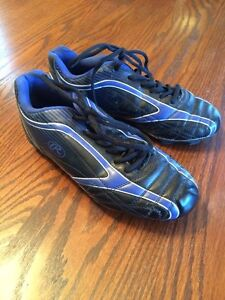 Size 6 Rawlings Soccer Cleats