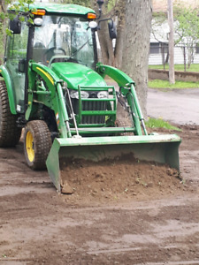 Tracteur compact à votre service