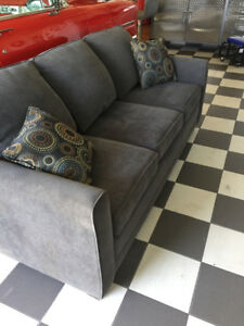 Furniture  pull out couch